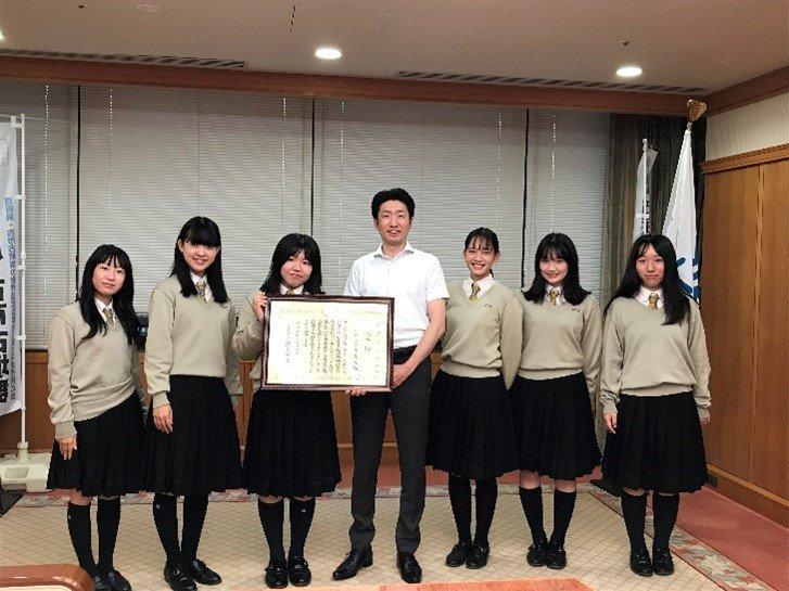 【高校ダンス部】ダンス部3年生堺市永藤市長を表敬訪問